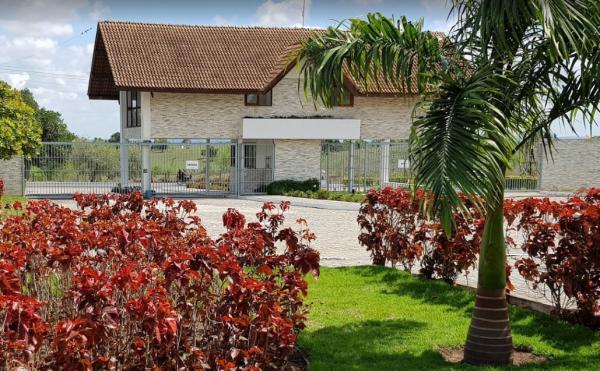 LIMOEIRO -  450 m²