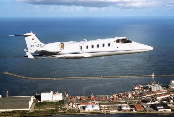 1 Aeronave Learjet 60