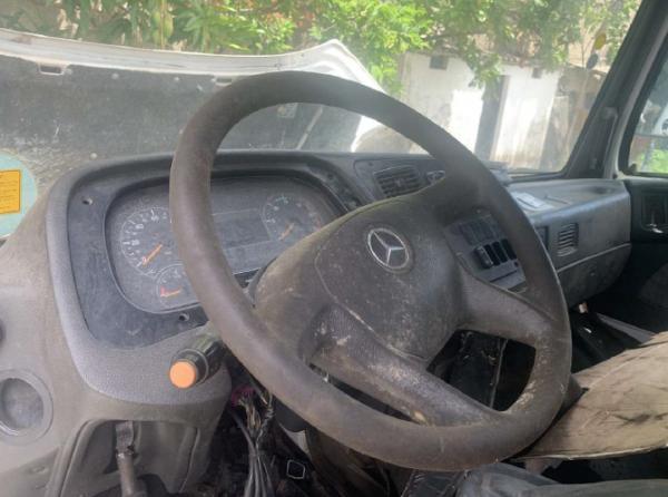 Caminhão M Benz Atron 2324 2013