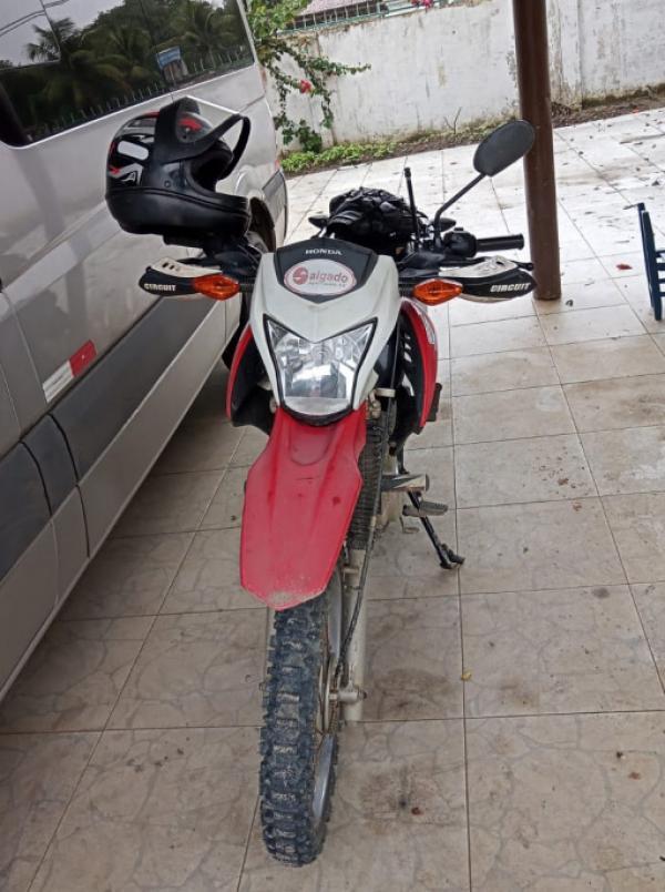 1 Caminhão e 3 Motocicletas