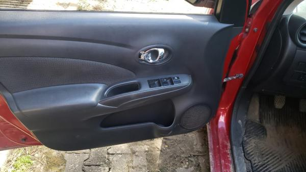 Nissan Versa 16SL Flex 2012 2013