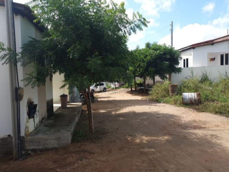 2674 - Casa, Residencial, 2 dormitório(s), 1 vaga(s) de garagem