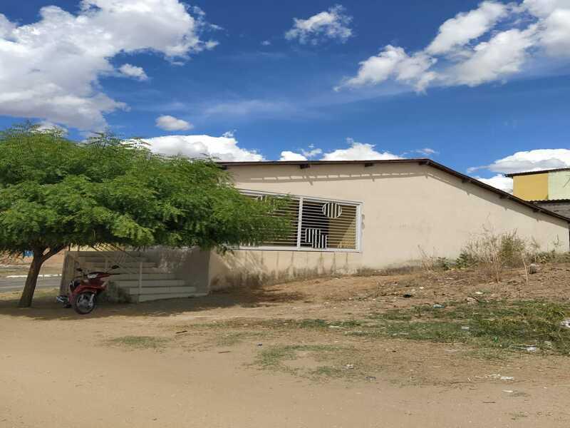 1972 - Casa, Residencial, Centro, 3 dormitório(s), 1 vaga(s) de garagem