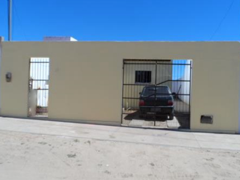 2382 - Casa, Residencial, 2 dormitório(s), 1 vaga(s) de garagem