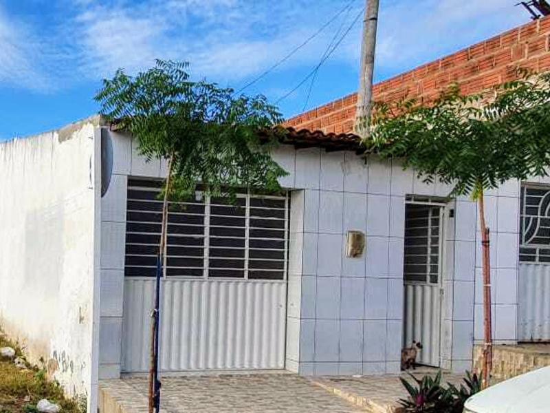 95823 - Casa, Residencial, COHAB, 3 dormitório(s), 1 vaga(s) de garagem